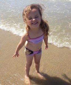Florine a la plage en 2015